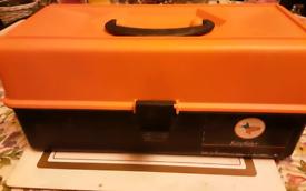 FISHING BOX SMALL FOR KIDS GOOD CONDITION SMOKE FREE HOME