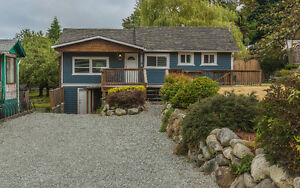 Investment or starter home in Chemainus!