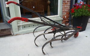 VINTAGE HORSE DRAWN WALK BEHIND SCUFFLER/ CULTIVATOR FOR SALE