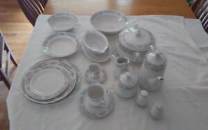 Set of 12 China Dishes