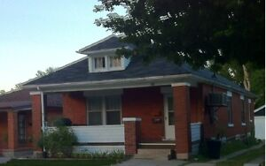 2 Bedroom Lower Apartment Close to Downtown on Cartwright! London Ontario image 1