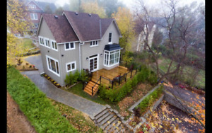 Fully Upgraded 3.5 Bedroom House In Aurora