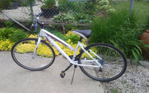 """Womens 26"""" bike, almost new, used only once. Aluminum frame"""