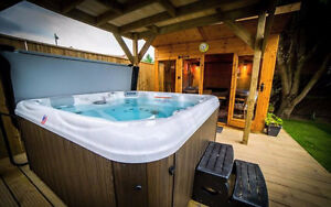 South Seas 748B/L | Factory Hot Tubs | WEEKEND TRUCKLOAD SALE