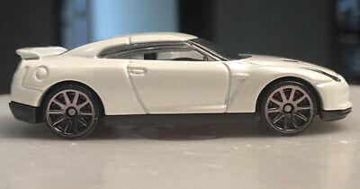 Hot Wheels 2009 Nissan GT-R 2009 New Models White Blister Pull 1/64 Loos