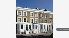 2 bedroom flat in Greyhound Road, London, W6 (2 bed) (#1108323)