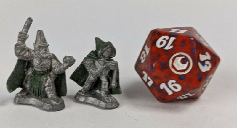 1986 Ral Partha Halfling ? Wizard 25mm Metal Dungeons & Dragons & 20 Die