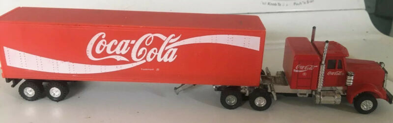 KW Kenworth Coca Cola Diecast Semi Truck With Attachable Trailer