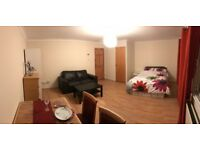 4 rooms to let. 7 min walk from Canary Wharf! Docklands