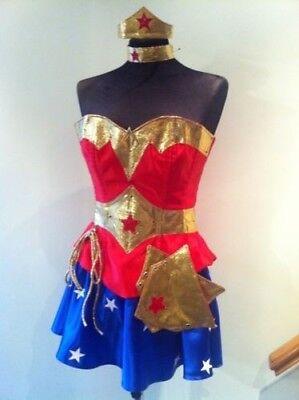 Kim Style Wonder Woman Korsett mit Hotpants,Unterhose,Rock