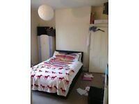 2 Spacious double rooms in 4 bed house withington. £281 pcm. 2 current tennants