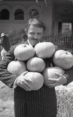 Original Addams Family Halloween (JOHN ASTIN THE ADDAMS FAMILY HALLOWEEN RARE ORIGINAL 1977 NBC TV PHOTO)