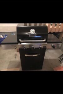 Cuisinart Gourmet 600B Natural Gas BBQ- REDUCED PRICE!!