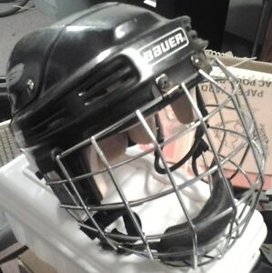 Bauer 4000 Hockey Helmet with cage