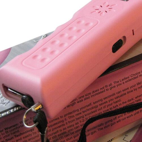 Streetwise 21,000,000 Stun Gun W/Alarm Police Magnum Pepper Spray Combo Pink - $22.88