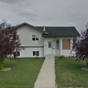 Blackfalds one or two bedroom rooms available
