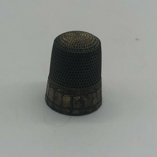 Vintage Sterling Silver Sewing Thimble.  R