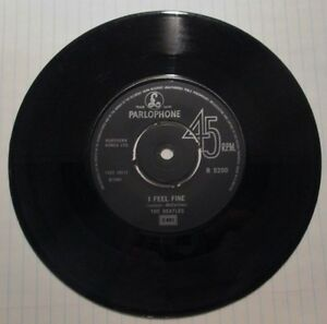 Vintage The Beatles 45 - I feel fine c/w She's a woman West Island Greater Montréal image 5