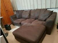 Gorgeous large sofa . Can deliver .