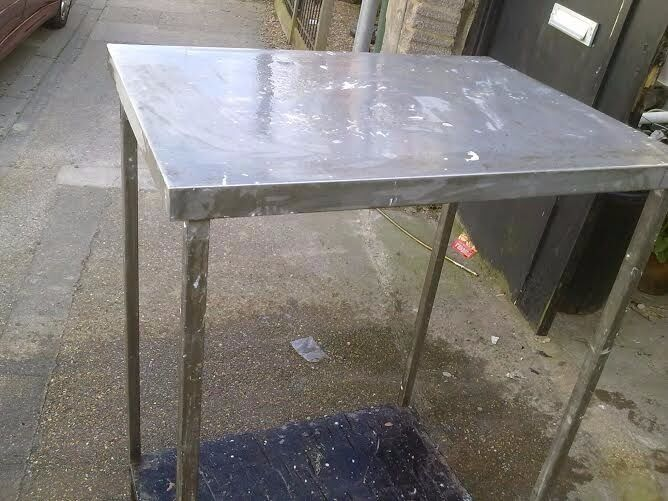Stainless steel table for salein Southsea, HampshireGumtree - Stainless steel table for sale the size is 75 l(29inch), 55 w(22 inch) and highs is 118(46 inch) there is one shelf under as well