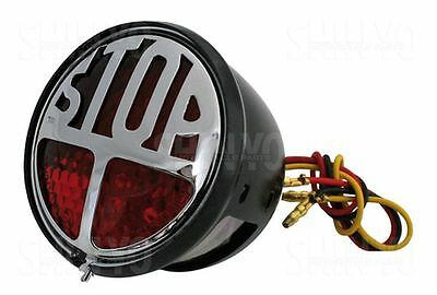 LED-Rücklicht STOP, rotes Glas, schwarzes Metallgehäuse, STOP Emblem chrom, mi