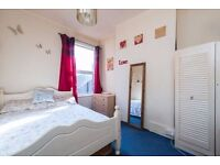 Couples Wanted *4 Min Walk to Station* Zone 2