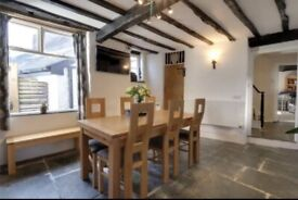 Grade 2 listed cottage in the heart of the town
