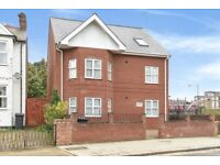 ** HOT 2 BED APARTMENT AVAILABLE TO RENT IN NORTH FINCHLEY - NEWLY REFURBISHED!! **