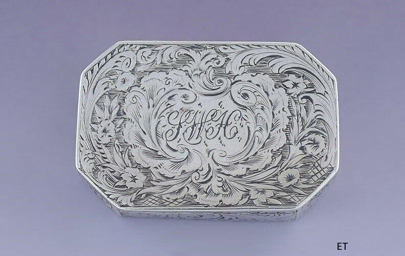 1835 Fine English Georgian Sterling Silver Octagonal Vinaigrette / Scent Box