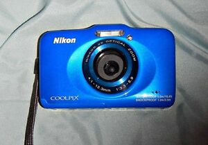 Nikon Coolpix S31 waterproof digital camera, brand new
