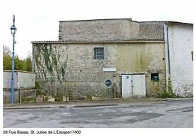 4 Bed House, Partially Rennovated, 150m sq. Near La Rochelle, SW France
