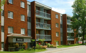4 1/2 , 2 chambres, Gatineau, Hull rue Charles-Albanel PROMO