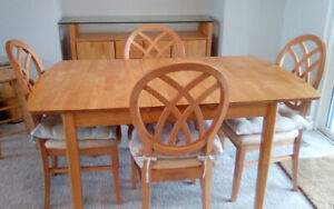 Dining set and buffet