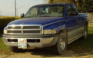 1996 Dodge Power Ram 1500 Pickup Truck with Tonneau Cover