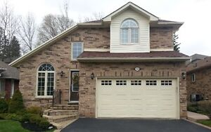 House For Sale / Waterdown 14 Silver Court