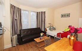 PRIVATE large STUDIO/IDEAL for COUPLES/STUDENTS/SHORT STAY #DHC