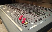 Soundcraft Spirit studio 24 entrées inputs console mixer studio.