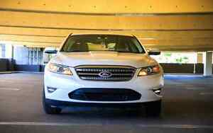 Moving sale: 2010 Ford Taurus SEL Sedan
