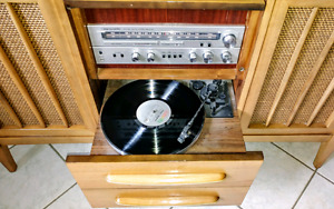 Working record player worh speakers in solid wood cabinet
