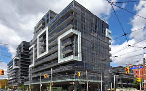 DNA3 KING WEST - Unobstructed West views *June 1st*