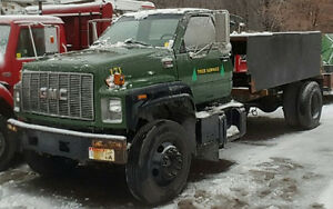 2002 GMC C7500 Cab and Chassis
