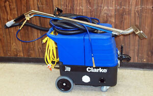 3 CARPET EXTRACTOR AND COMMERCIAL VACUUM $2.500 OBO!! Kitchener / Waterloo Kitchener Area image 2