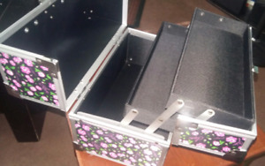 Floral cosmetic makeup train case