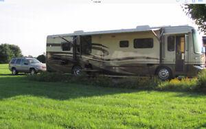 2005 NewMar KountryStar 40' Diesle Pusher