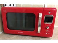 FULL KITCHEN SET - microwave, toaster, kettle clock and 6ft blind