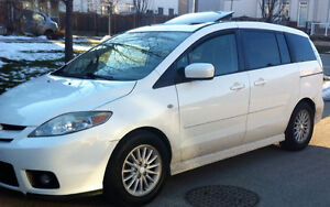 2007 Mazda5, Automatic, Sunroof, Great running condition