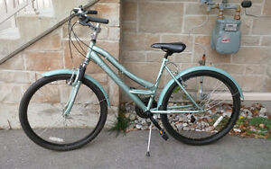 Womans Mongoose Bicycle - In good condition. Kitchener / Waterloo Kitchener Area image 2