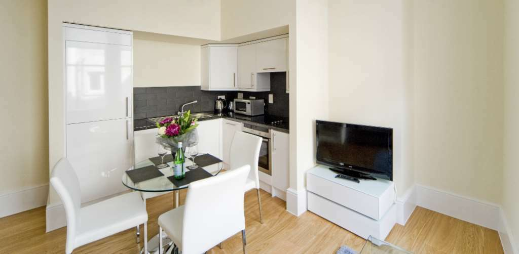 1 bedroom flat in St Martin`s Court, Covent Garden, WC2N