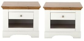 2 Matching Wiltshire Oak Bedside Cabinets