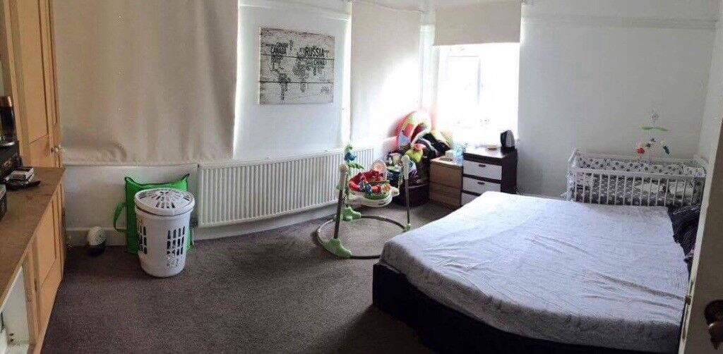King size double room for rent
